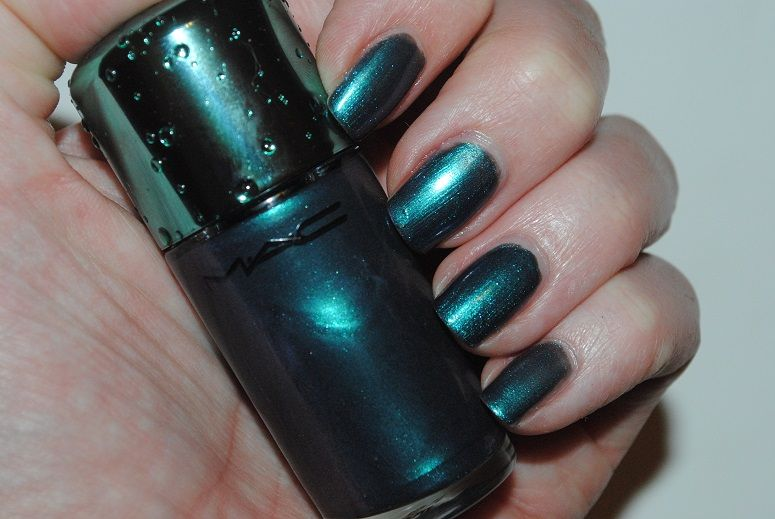MAC Alluring Aquatic Nail Lacquer in Submerged swatch   Unhas /Nails ...