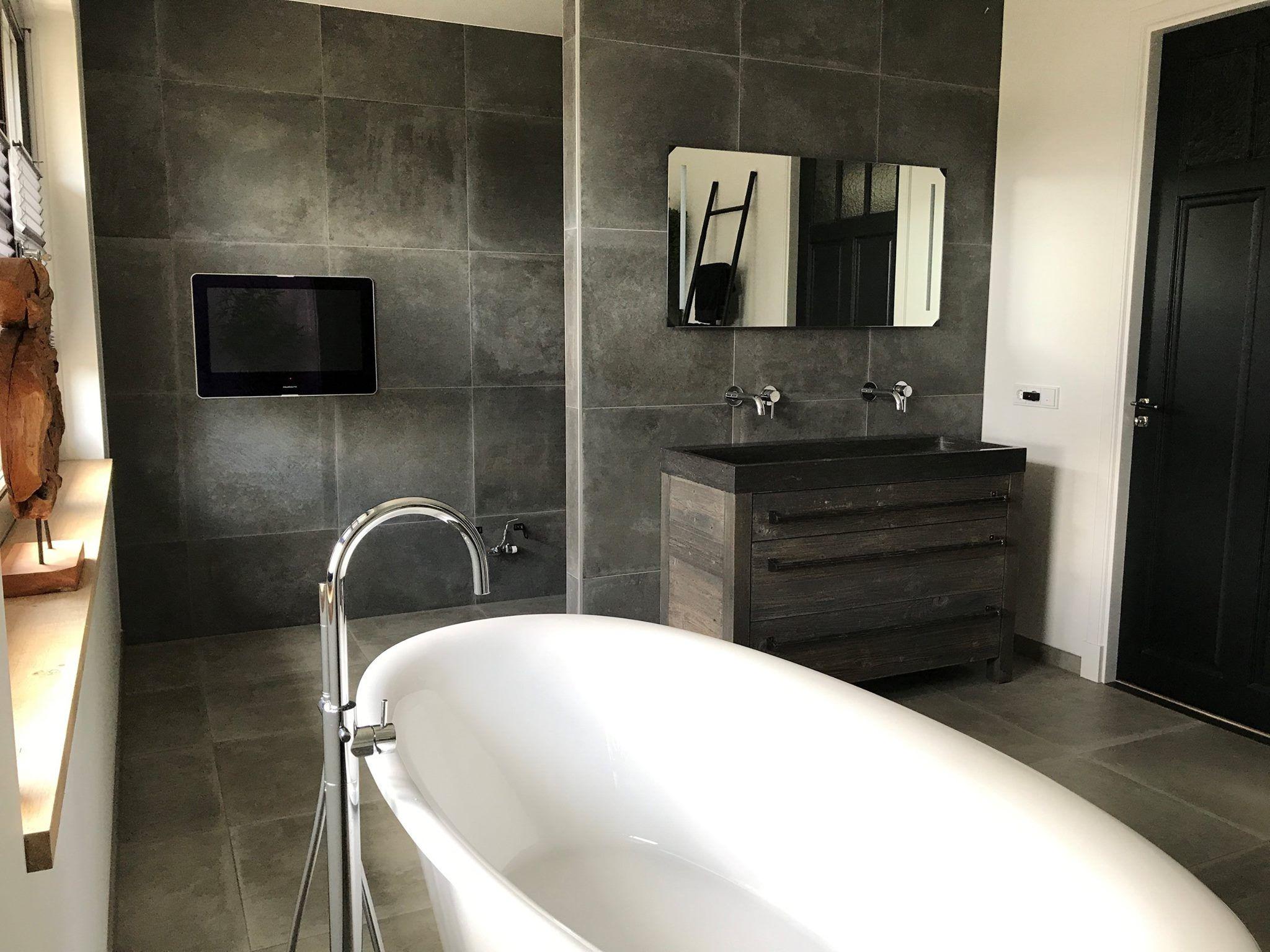 Stijlvolle badkamer met tegels van Tegelhuis Montfoort. Wij leverden ...