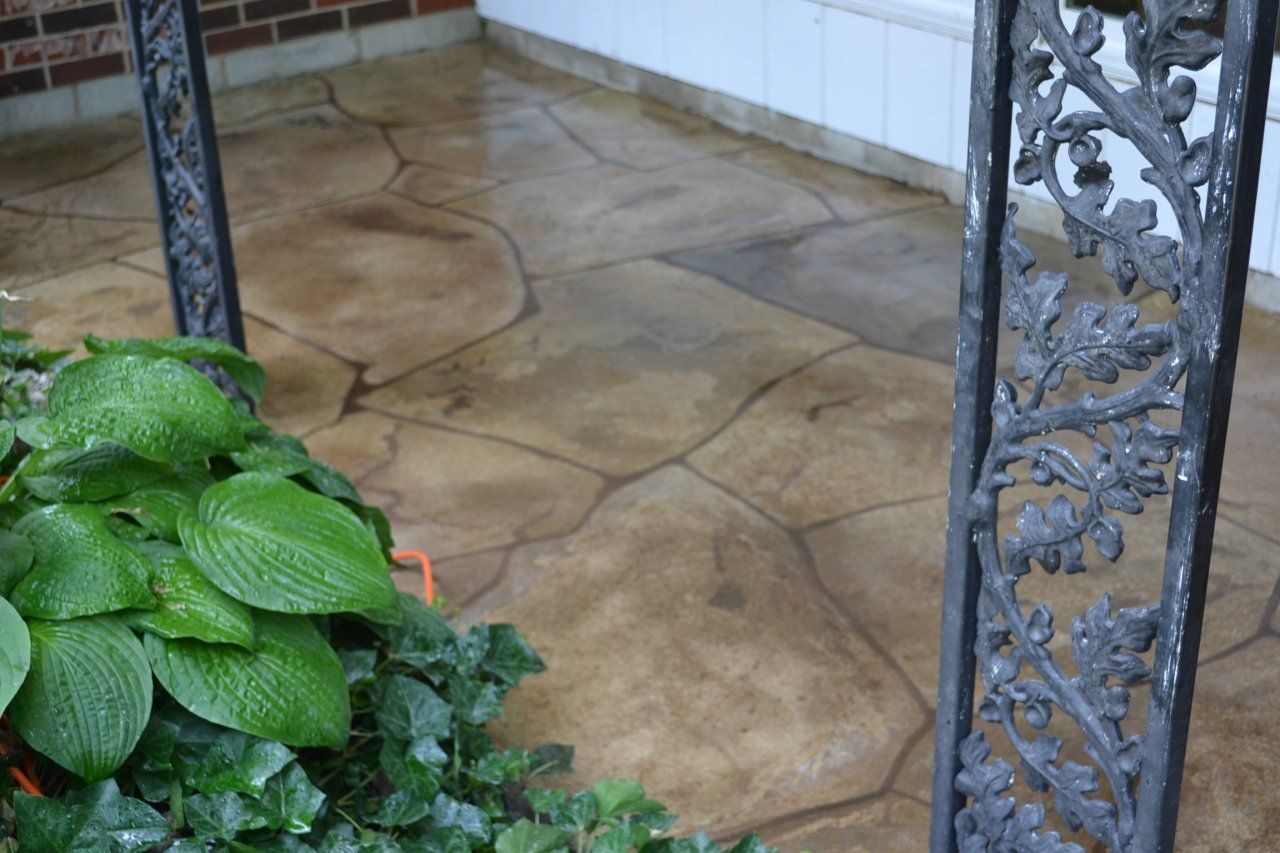 Large Flagstone pattern on a front porch colored to match