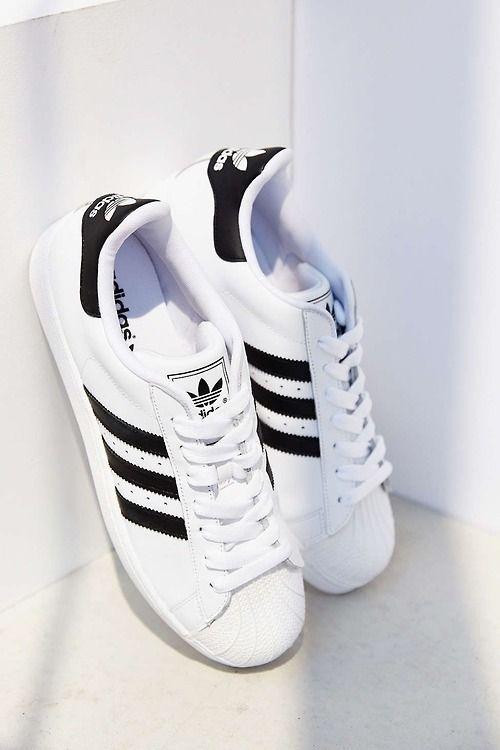 Adidas • Style School Chaussure Botte, Chaussure Sneakers, Chaussure Basket,  Chaussures Adidas, c300474fc46b