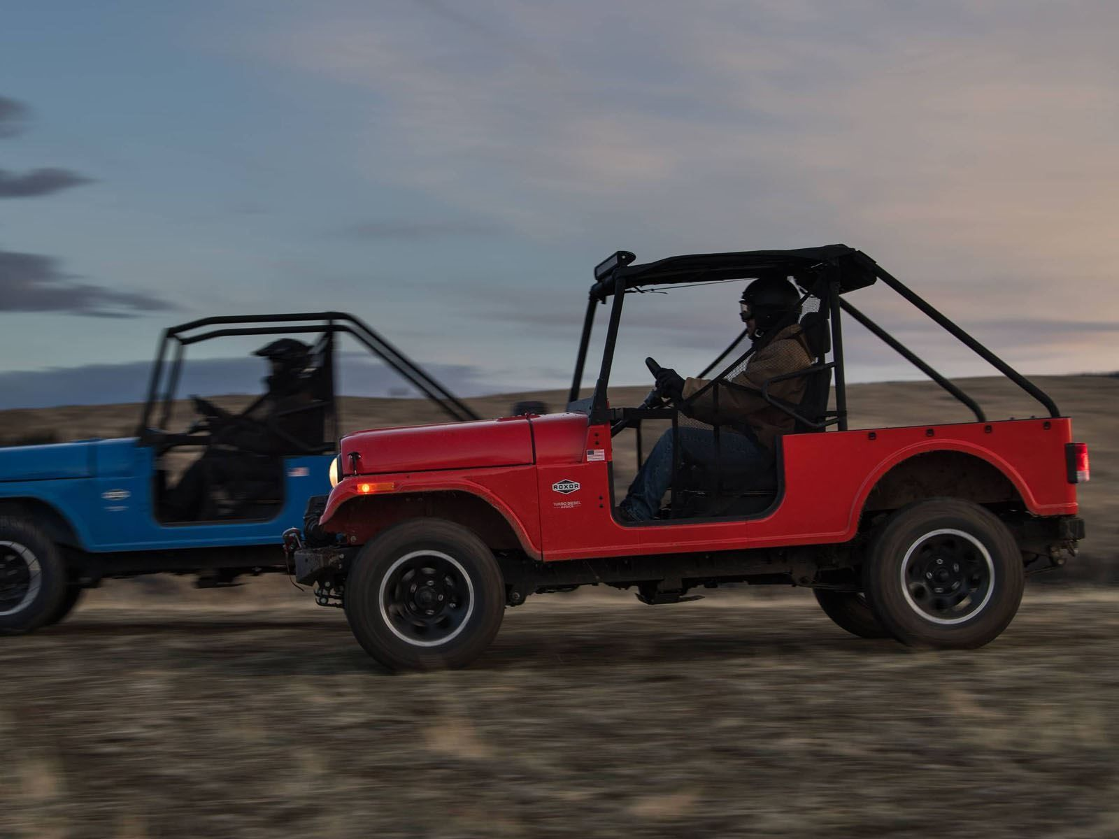 Here S How Similar The Mahindra Roxor Is To An Old Jeep Cj Jeep