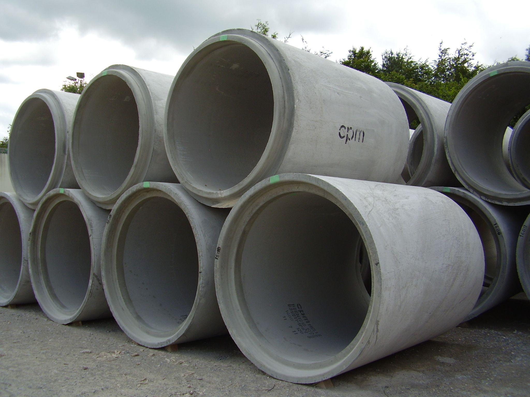 Cpm Manufacture Pipes Made From Precast Concrete From 225mm To 1800mm For Further Information Please Visit Http Www C Precast Concrete Concrete Garden Beds