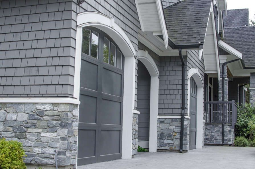 Craftsman Design With Stone Wainscoting Stone Exterior Houses Gray House Exterior House Paint Exterior
