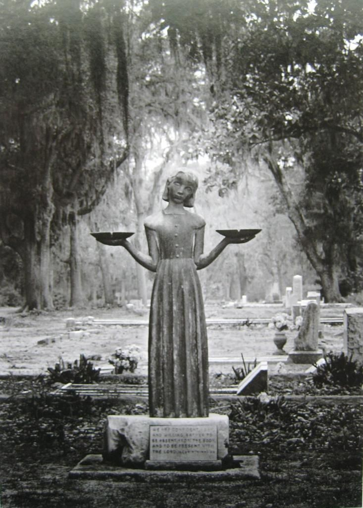bird girl statue in the savannah georgia bonaventure cemetery made famous by the movie midnight in the garden of good and evil - Midnight In The Garden Of Good And Evil Statue