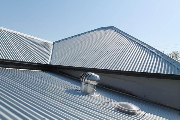 Ferris Roofing Is A Leading Company For Metal Roofing Fort Worth Tx Contact Ferris Roofing Contractors In Fort Worth F Steel Metal Roofing Metal Roof Roofing