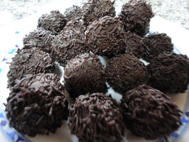 Trufas De Oreo Philadelphia Y Chocolate Receta De Rebe Recipe Candy Desserts Food Truffles