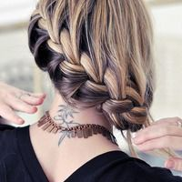 Fun Topsy Tail Bubble Braids For Spring