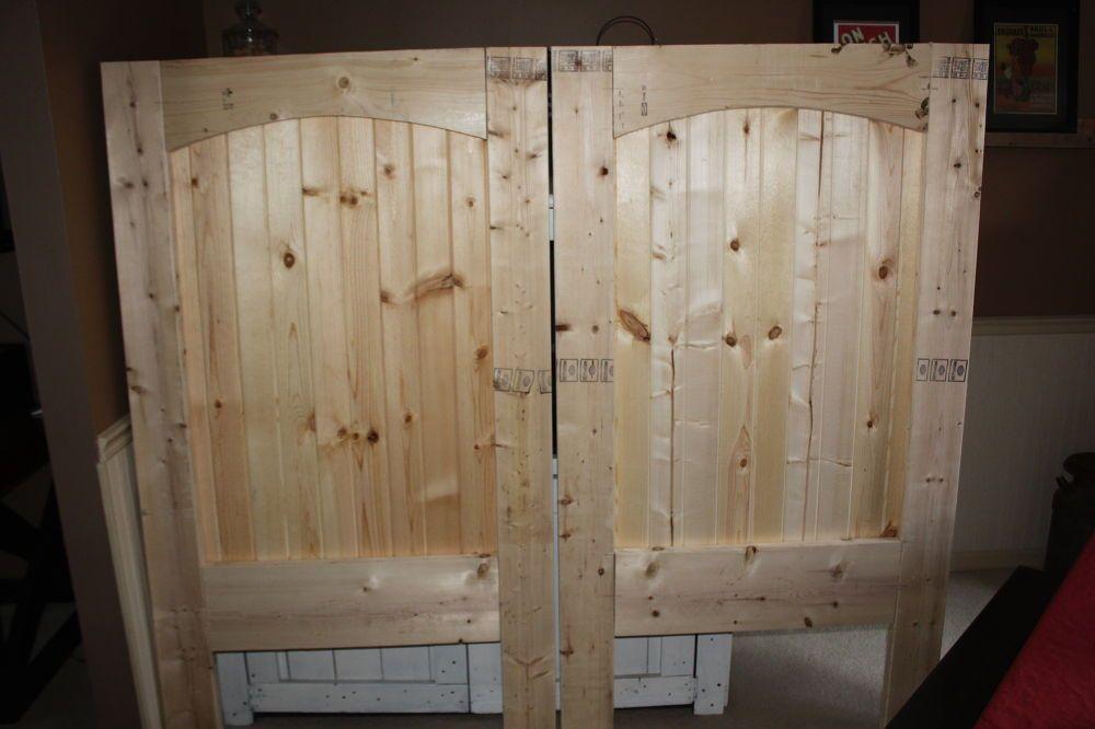 How+To+Build+A+Rustic+Barn+Door+Headboard