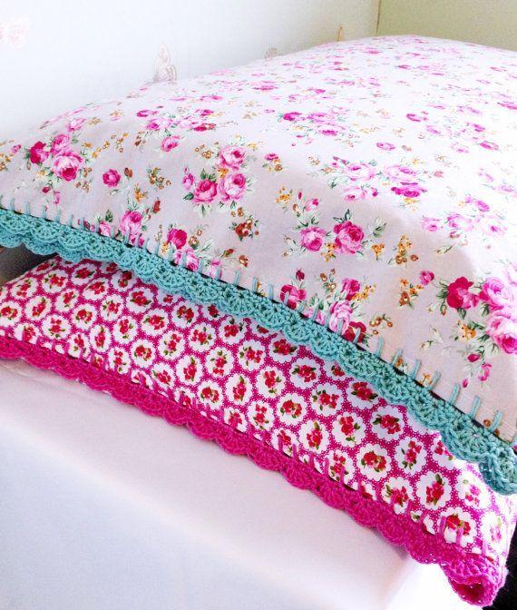 Pillowcase with Crochet Trim Edging - Crochet Edged Pillowcase - Crochet Trim Pillow Case - Vintage Style Bedding #pillowedgingcrochet Pillowcase with Crochet Trim Edging - Crochet Edged Pillowcase - Crochet Trim Pillow Case - Vintage Style Bedding #pillowedgingcrochet