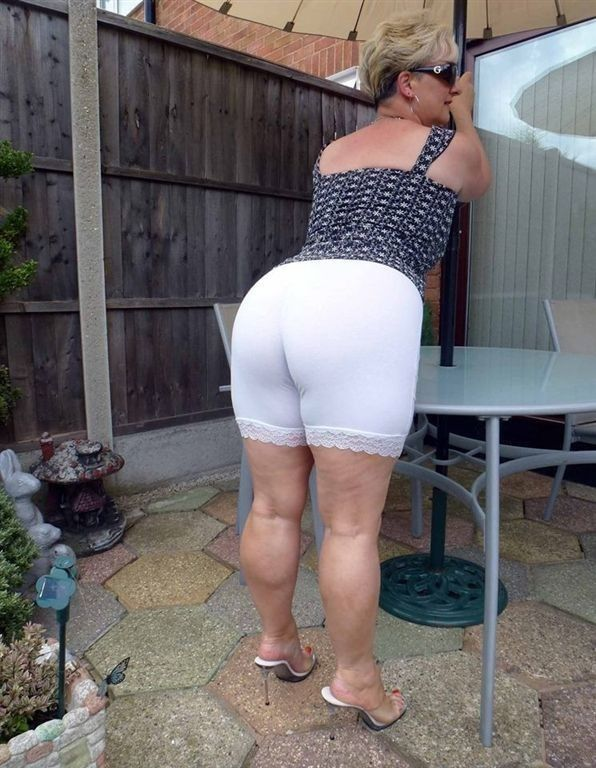Amateur hot blond insets duster and yucca plant - 1 part 2