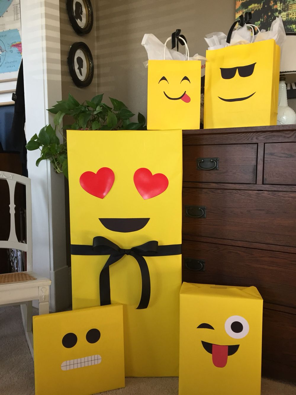 Diy emoji wrap 1st birthday olaf the snowman kids party