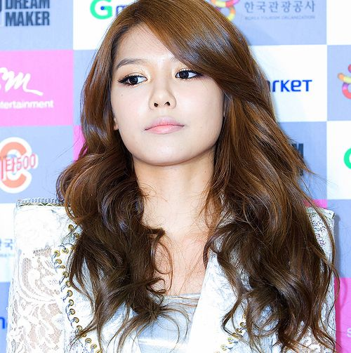 Hairstyles For Long Asian Hair : Long brown wavy with side swept bangs cute asian hair