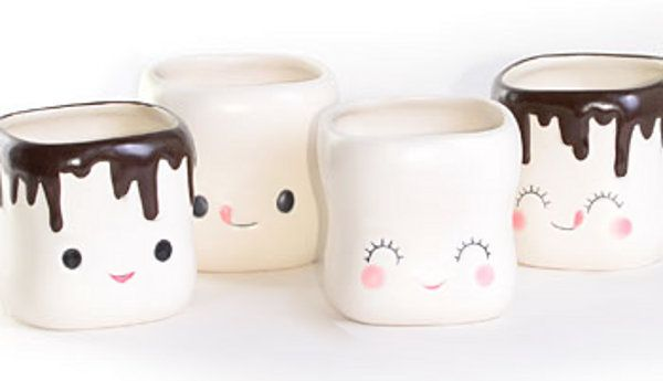 Tazas con forma de sonrientes marshmallows.