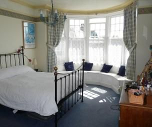 Images About Bedroom With Bay Windows On Pinterest Bay Window Treatments Nooks And Window Benches