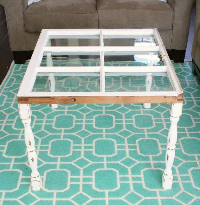 Alte Fenster Dekoration Teppich Tuerkis Muster Weiss Couchtisch