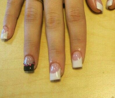 Acrylic Nails French Tip Black Pink Diamonds Laurasnails Annielerwill Nails Acrylic Nails Acrylic