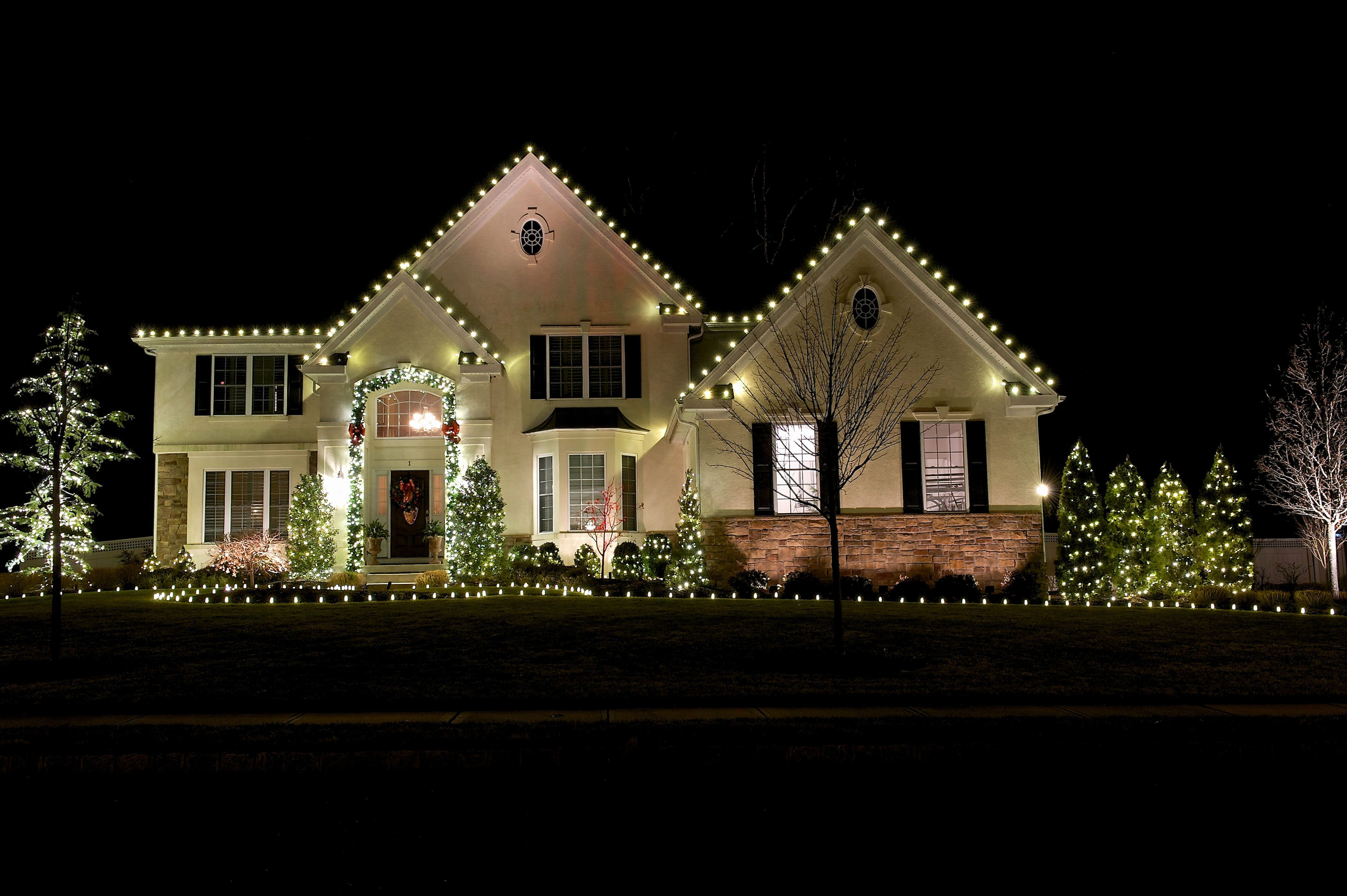 35 Awesome Backyard Design With Christmas Lights Ideas Dexorate