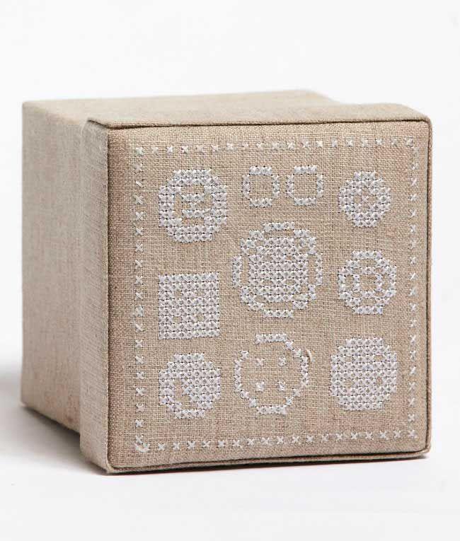 NanaHuchy - Button Box