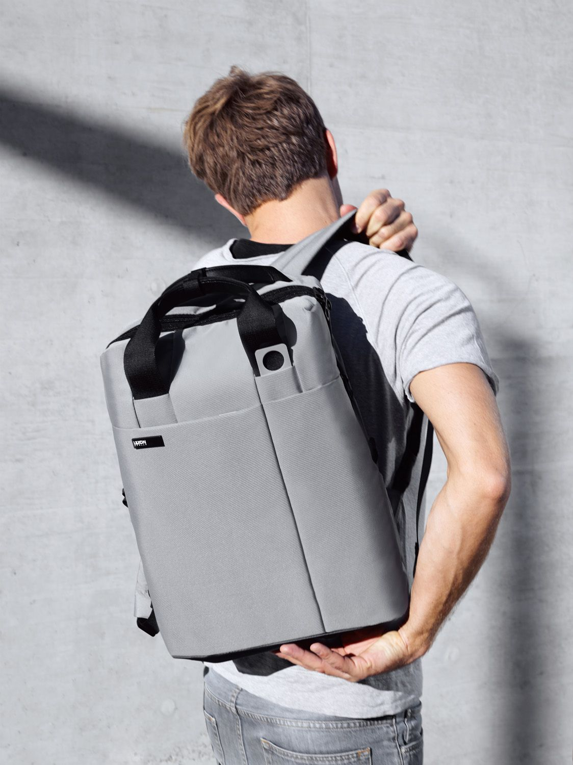 1881164b0e9 Lexon - APOLLO back pack, design Luca Artioli   Design   Pinterest ...