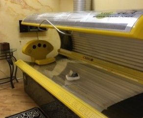 Dr. Muller Onyx 44/4 tanning bed 44 160W VHR Body Lamps 4 - 1000w Facial  Lamps Adjustable cooling fan 10 Minute Exposure Time MFG September 2000 89  X 43 X ...
