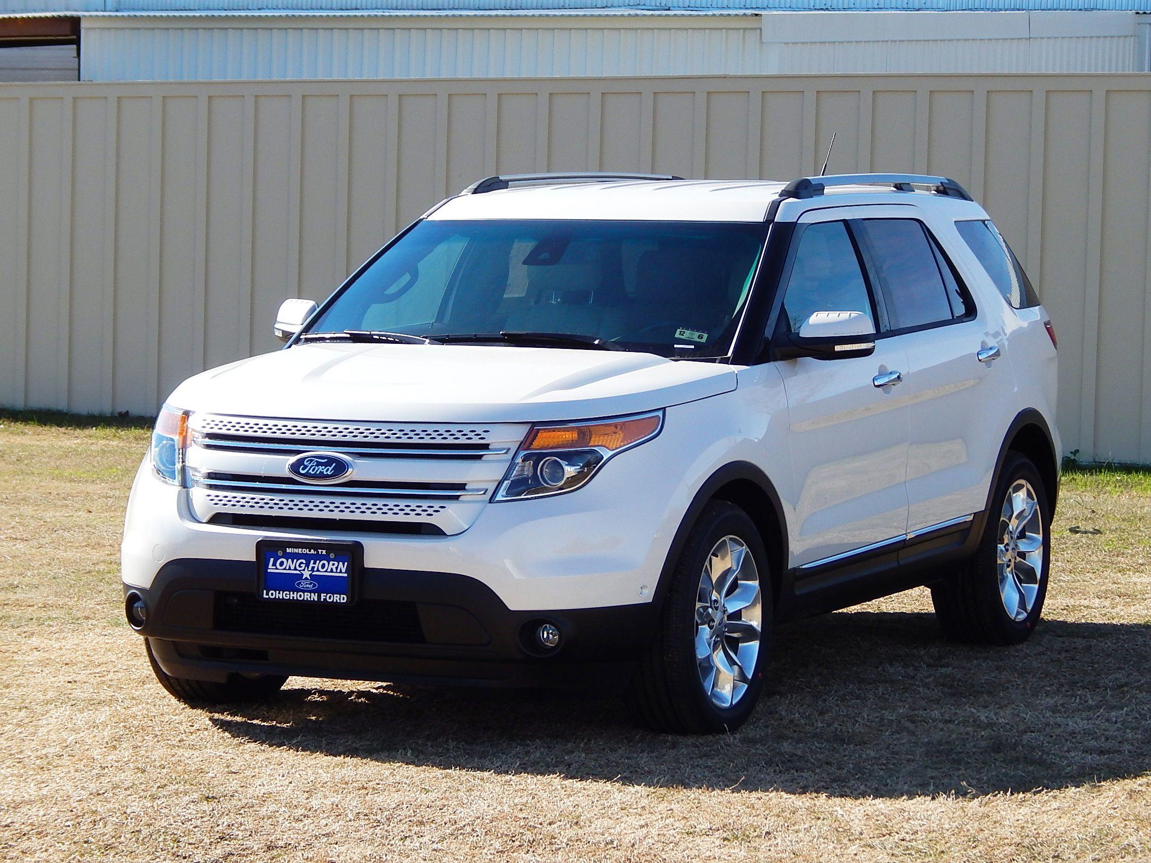 2015 Ford Explorer Limited in White Platinum Metallic Tri