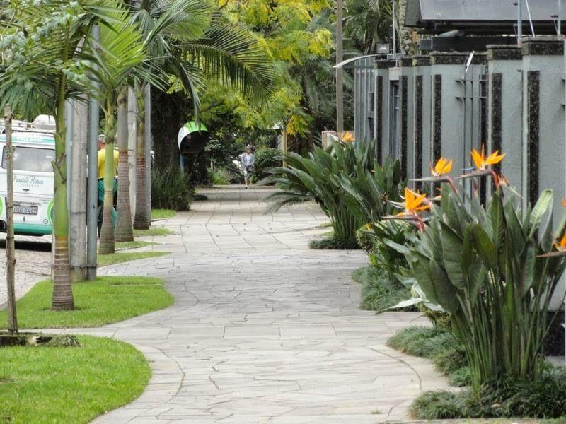 Decor Salteado - Blog de Decoração | Arquitetura | Construção | Paisagismo: Calçadas residenciais - veja dicas e modelos com pedras, paisagismo e muito mais!