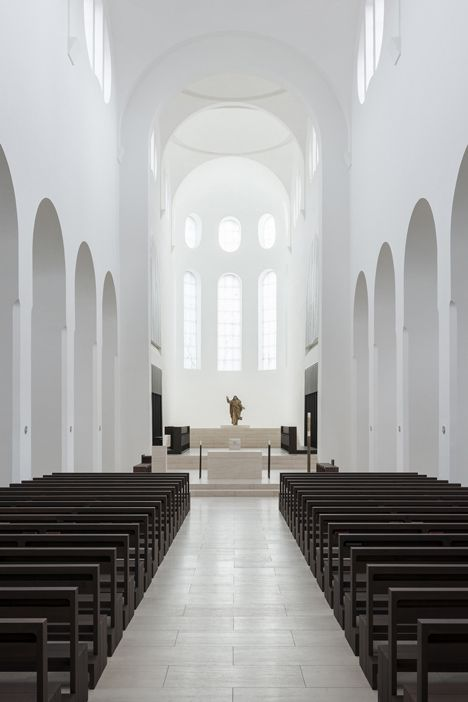 Renovation of the St Moritz Church in Augsburg, Germany by John
