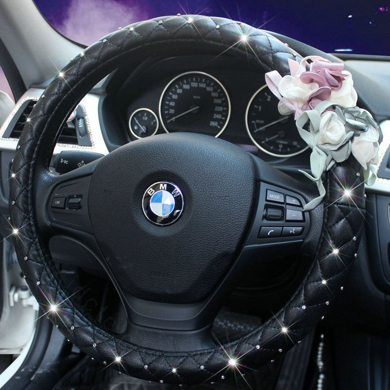 64.92 Crystal Lace Flower Pu Leather Vehicle Steering