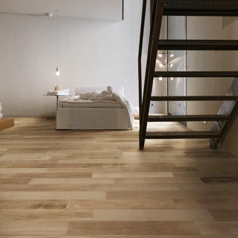 Mooie brede planken! Deze #houtlook #tegels van #Marazzi zijn heel ...