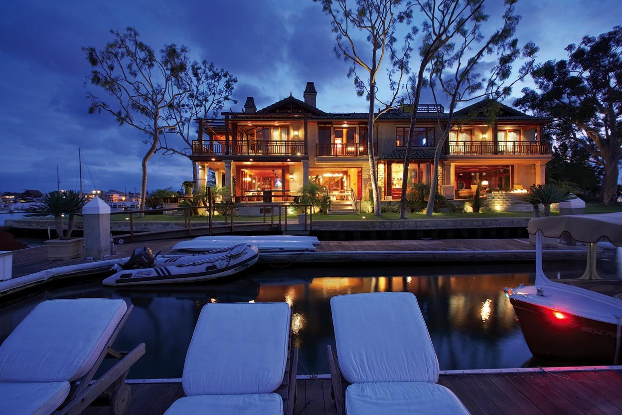 20 multi million dollar lake homes that will blow you away for Million dollar luxury homes
