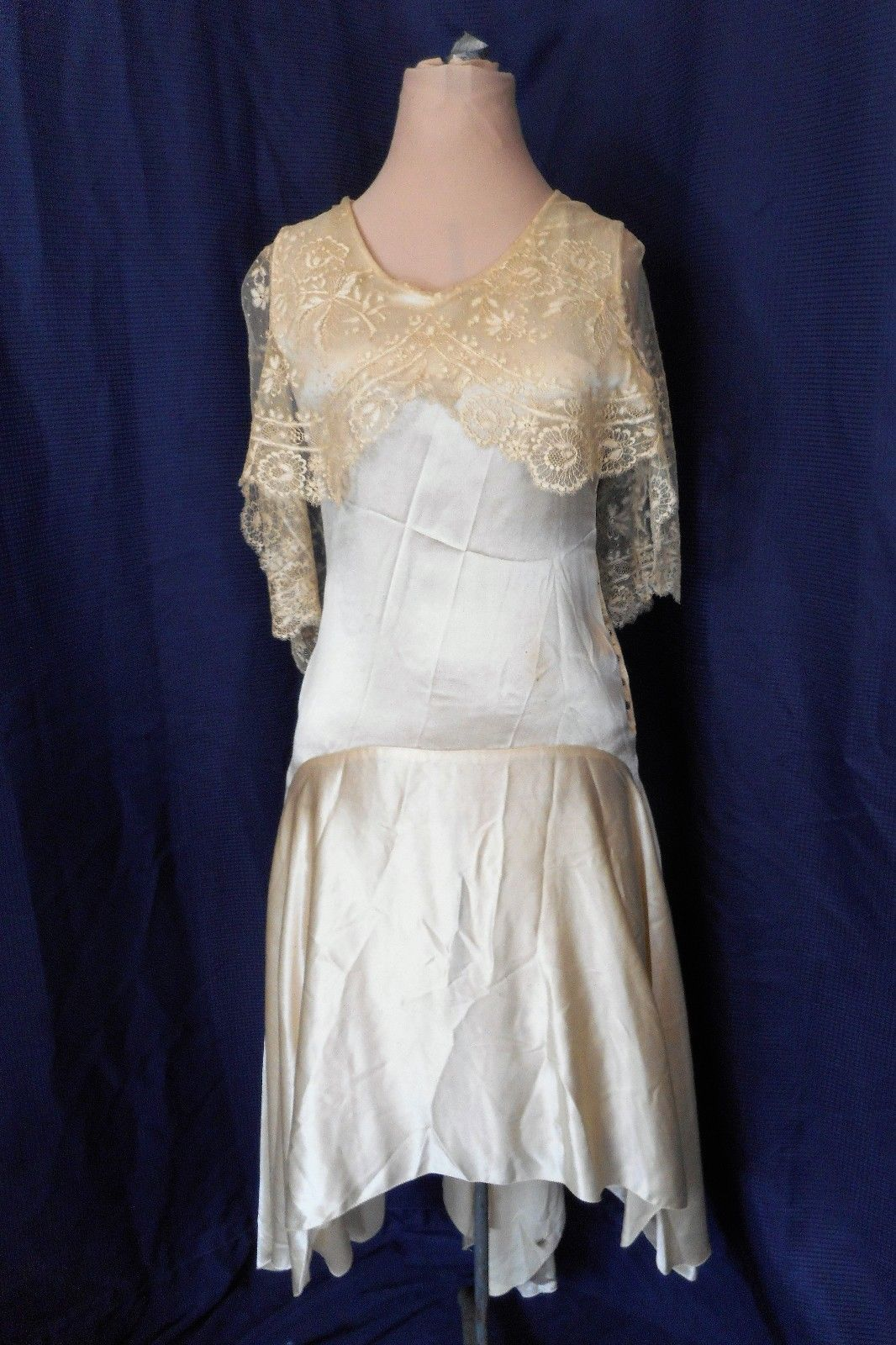 Antique vintage ivory wedding gown s hi low hem chantilly lace