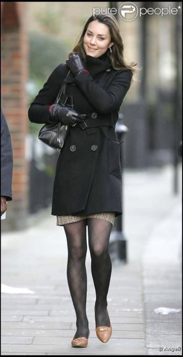 Kate Middleton Adorable Coat Casual Street Style From Before Her Marriage Kate And Pippa