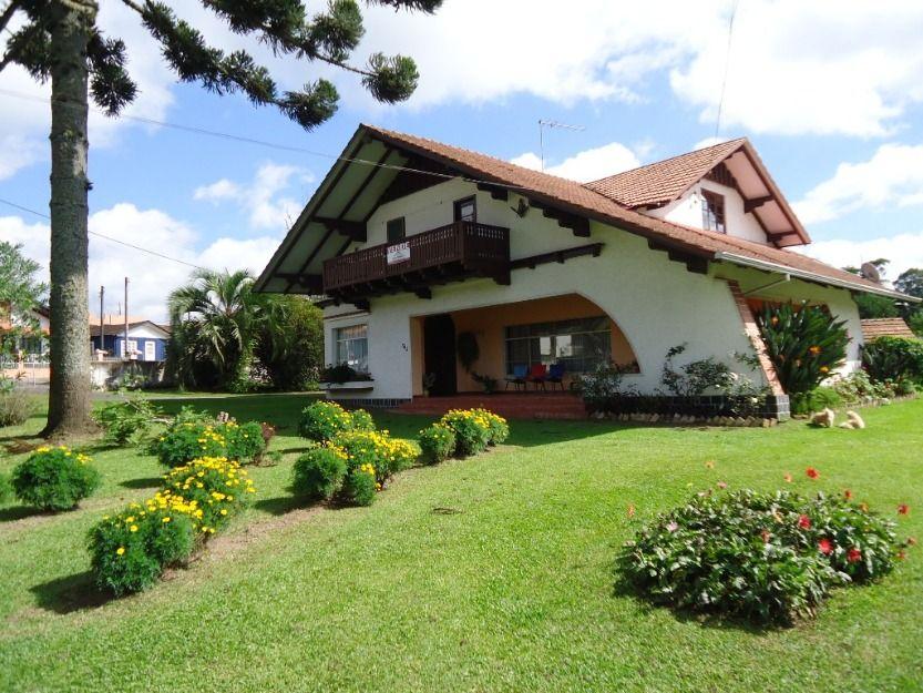 Maravilhosa Casa Com Estilo Europeu No Centro De Campo Alegre Sc Casas Arquitetura Residencial Residencial