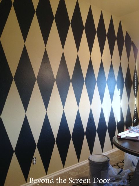 How to Paint a Harlequin Diamond Wall | Beyond the Screen Door | SH Designs Misc Projects ...