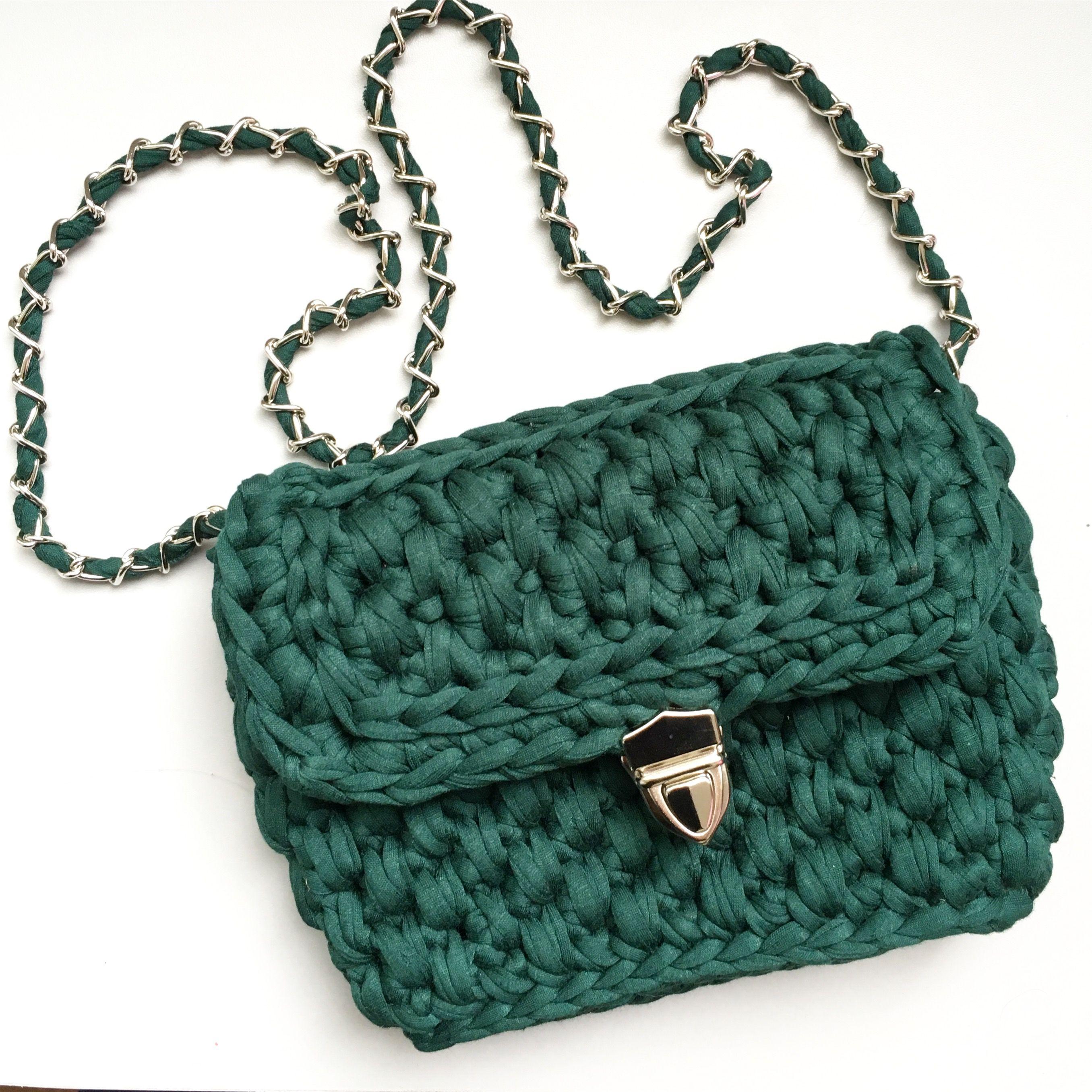 922874a60e94 Изумрудная вязаная сумка из трикотажной пряжи ( crochet bag, bolso de  trapillo, t-shirt yarn)
