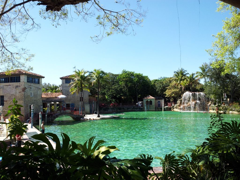 The venetian pool is the only public pool listed on the for Pool show coral gables