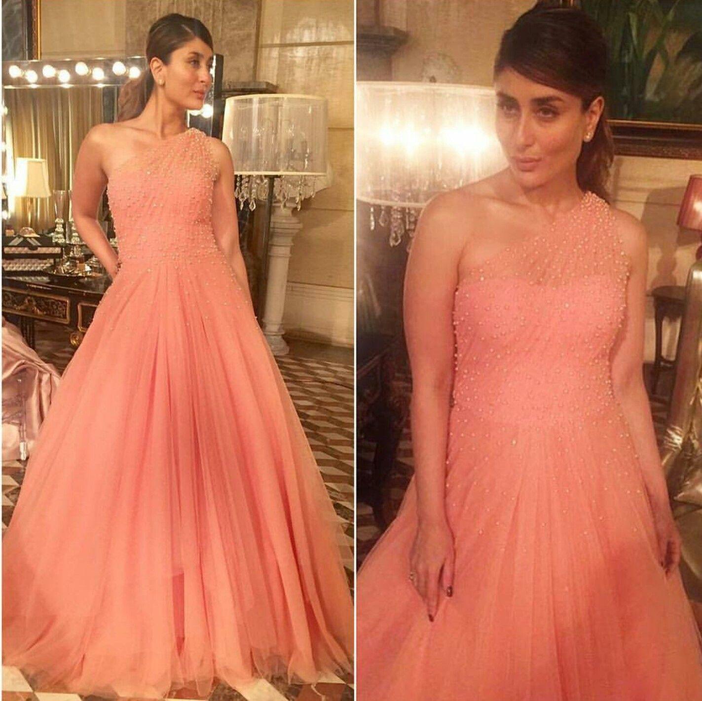 Kareena Kapoor wearing peach gown by Manish Malhotra at a ...