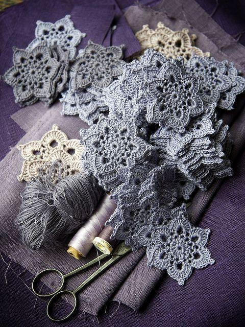 цветочные мотивы крючком схемы вязаный кружевные вещи вязание