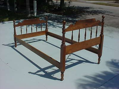 ethan allen heirloom twin spindle bed early american furniture maple with rails - Spindle Bed