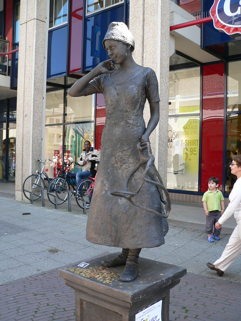 Pin by Taru Heinonen on Statues, mostly living