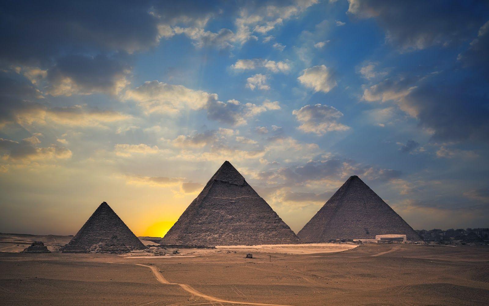 Ancient Egypt Paramids Hd Wallpaper 1 Pyramids Of Giza Egypt Travel Egypt Wallpaper