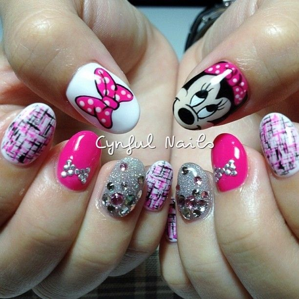 Tweed and Minnie Mouse nails | .♡.nαíls.♡. | Pinterest | Uñas ...