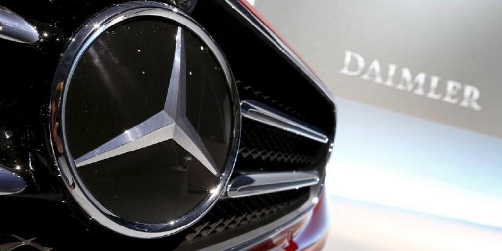 Mercedesbenz apologizes for red hot amg gla 45 ad amid