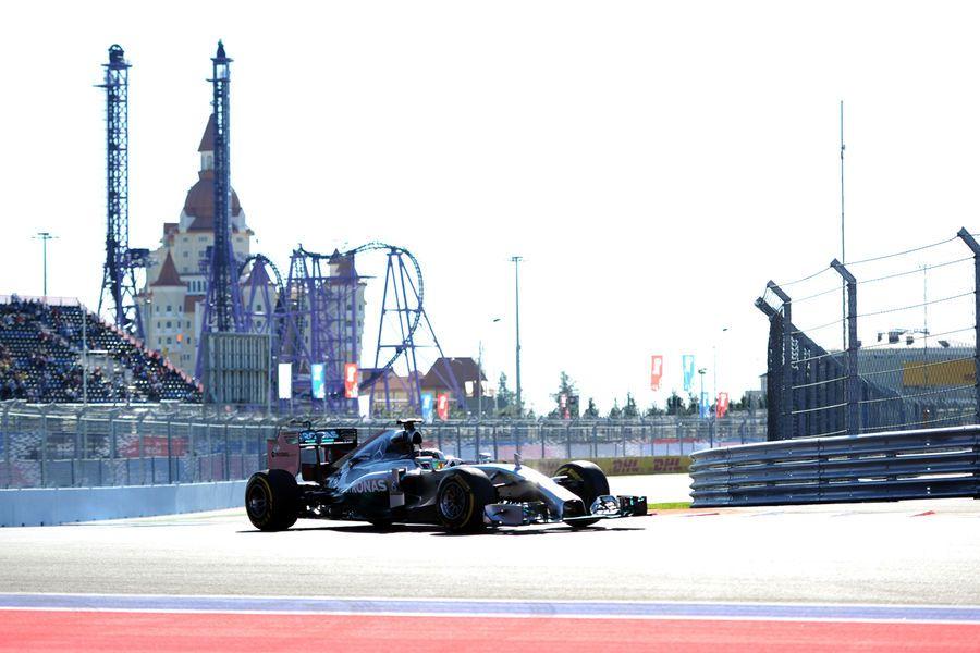 Mercedes espera lucha con los Williams y los McLaren mañana
