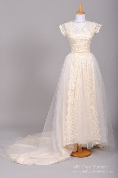 1950 Appliqued Lace Vintage Wedding Gown