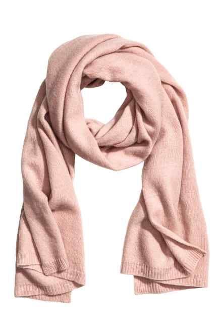 64ae4dd19 Cashmere scarf Winter Fashion Outfits, H&m Fashion, Autumn Fashion, Pink  Shawl, Pink