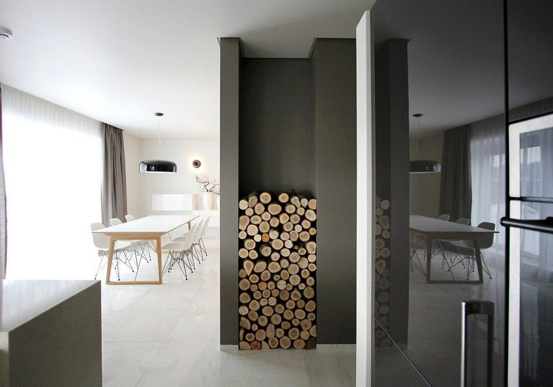holz kann auch im flur gelagert werden einrichtungsideen pinterest wohnzimmer brennholz. Black Bedroom Furniture Sets. Home Design Ideas