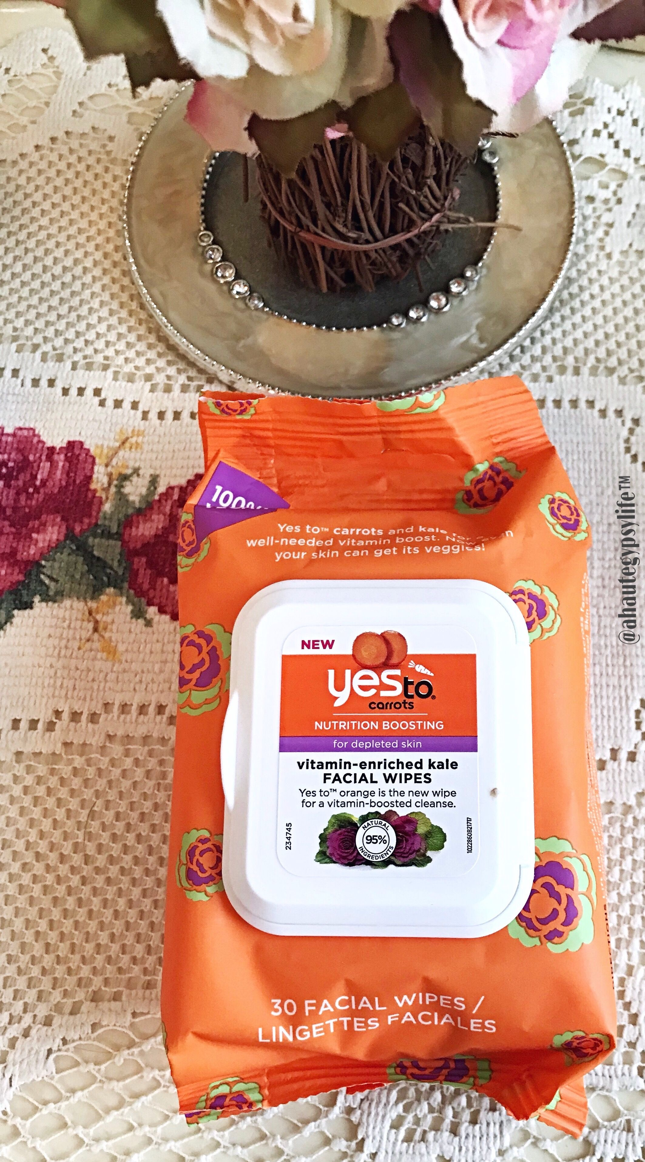 Yes To Carrots Vitamin enriched kale facial wipes