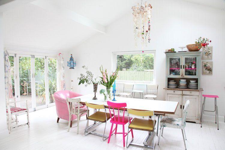 Taupe Kleur Interieur : A happy home vrolijke kleuren taupe en gray
