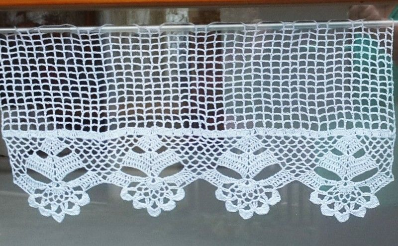 zauberhafte bistrogardine von reitherstubn auf gardine gardinen h keln gardinen. Black Bedroom Furniture Sets. Home Design Ideas